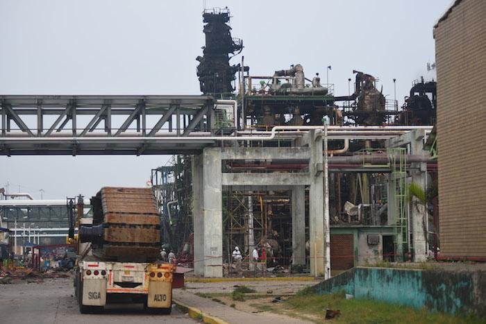 El director general de Mexichem, Antonio Carrillo, dijo a la agencia Reuters en una entrevista telefónica que la empresa está en el proceso de evaluar los daños causados a su planta en Coatzacoalcos, que aseguró representa cerca de un 4 por ciento de sus ventas anuales. Foto: Cuartoscuro