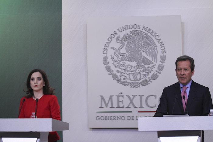 Ana Paola Barbosa Fernández y Eduardo Sánchez Hernández en la conferencia de prensa. Foto: Cuartoscuro
