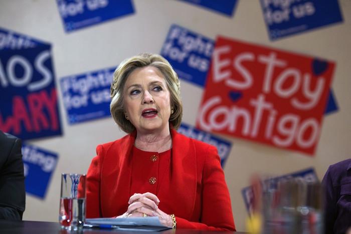 Si hubiese algo que EU podría hacer para ayudar, yo sería la primera en ofrecerlo, dijo Hillary Clinton. Foto: La Opinión.