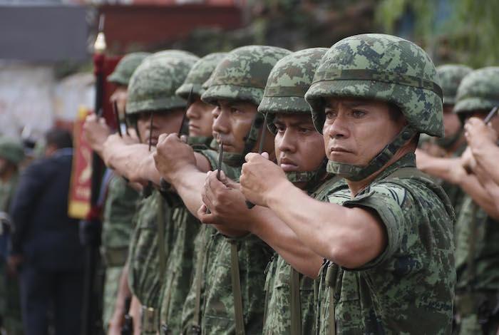 Alrededor de 500 mil militares han desertado en los últimos diez años, de acuerdo con el General Gallardo. Foto: Cuartoscuro