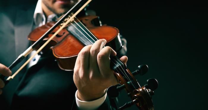 La música incrementa la sustancia gris cerebral, relacionada con el procesamiento de información, y construye mejores conexiones neuronales entre los dos hemisferios del cerebro. Foto: archivo