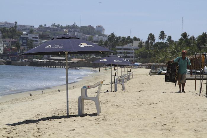 Empresarios y comerciantes de Acapulco denunciaron que luego de las balaceras en el puerto del 24 de abril, no hay vida nocturna en la zona y que