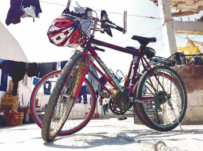 En la imagen, el medio de transporte utilizado por Mauricio Gaytán. Foto: Karla Tinoco, Vanguardia.