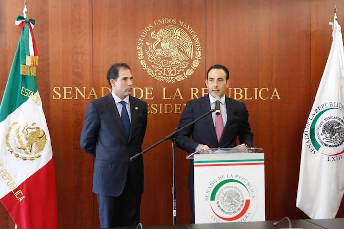 Pablo Escudero, presidente de la Comisión Anticorrupción y Roberto Gil Zuarth, presidente el Senado. Foto: Facebook