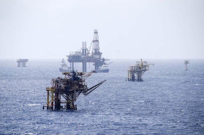 Pemex está en proceso de hipotecar hasta plataformas petroleras. Foto: Cuartoscuro