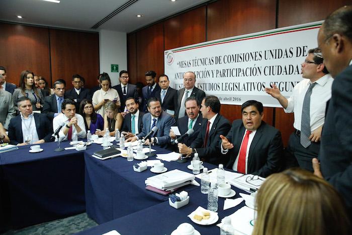 Los partidos políticos han previsto pagos a ciudadanos en la Ley General del Sistema Anticorrupción. Foto: Cuartoscuro