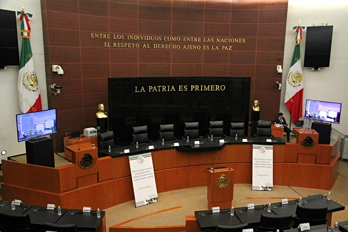 Los Grupos Parlamentarios plantaron a organizaciones de la sociedad civil listas para dictaminar el Sistema Anticorrupción. Foto: Luis Barrón, SinEmbargo