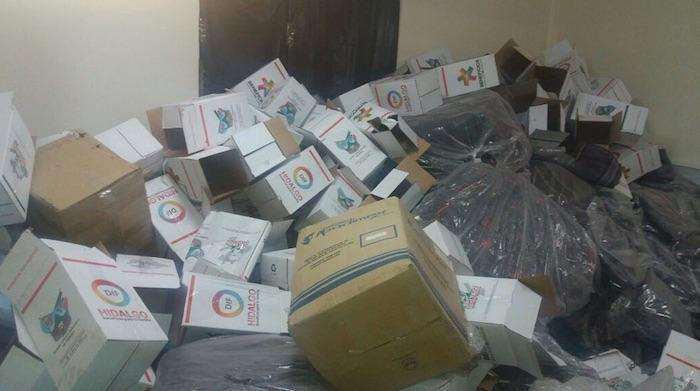 En el lugar se encontraron despensas del programa alimentario del Gobierno de Hidalgo. Foto: Twitter