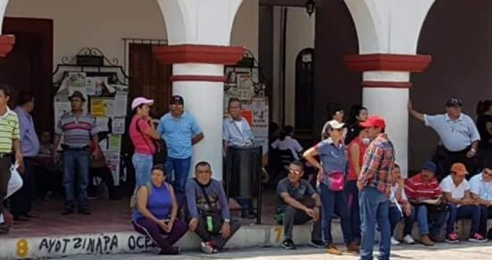 Maestros tomaron la Presidencia Muncipal de Chiapa de Corzo. Foto: Twitter @Coordinadora1DM