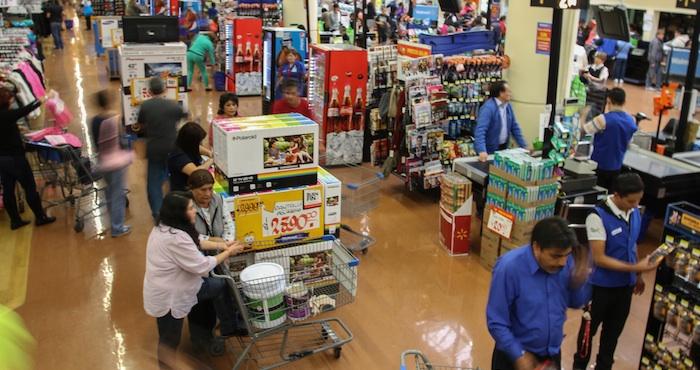 En su comparación anual, el consumo privado creció 3.2 por ciento en términos reales en el mes de referencia. Foto: Cuartoscuro