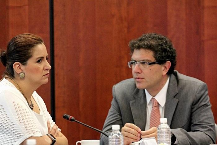 El Senador Armando Ríos acusó falta de sanciones penales en el predictamen. Foto: Luis Barrón, SinEmbargo.