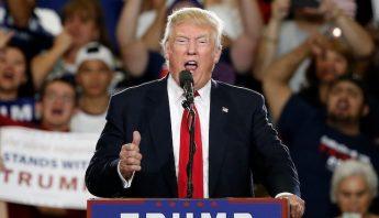 Donald Trump durante su evento de campaña en Albuquerque, Nuevo Mexico. Foto: AP.
