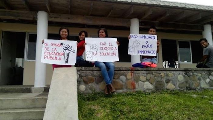 Estudiantes de la región Totonacapan se sumaron a la marcha: Todos Somos UV. Foto: Óscar Espino, Blog Expediente