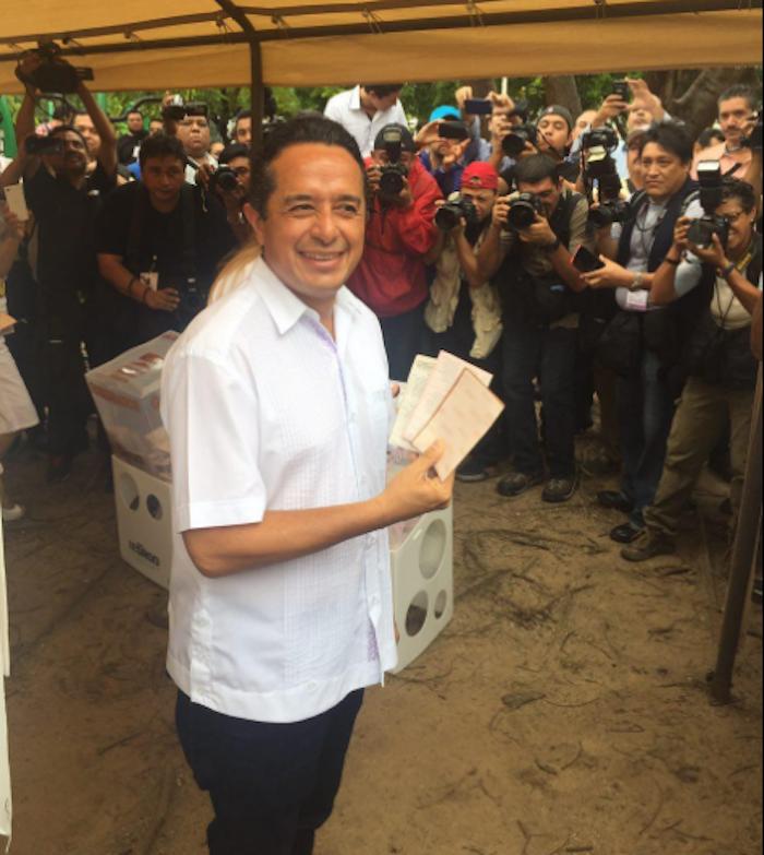 El candidato del PAN-PRD proviene de las filas del PRI. Foto: @CarlosJoaquin