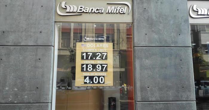 Para la OCDE, la depreciación del peso ha reforzado las ganancias de las exportaciones mexicanas. Foto: Luis Barrón, SinEmbargo.