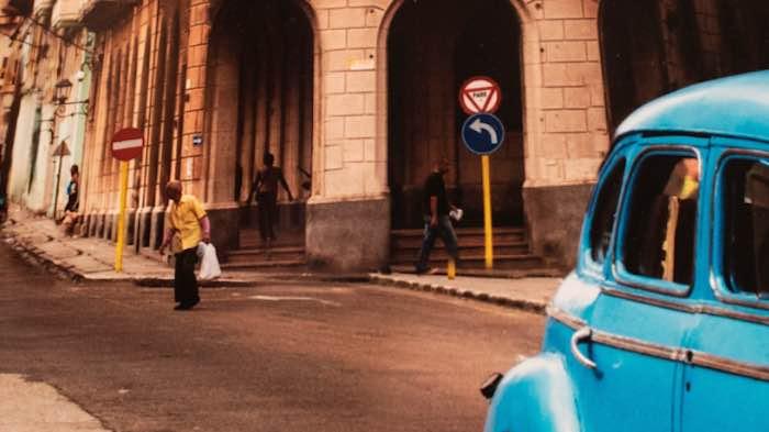 El error descubierto por Vigoglio en una foto de LA Habana, de McCurry. Imagen tomada del blog del fotógrafo.