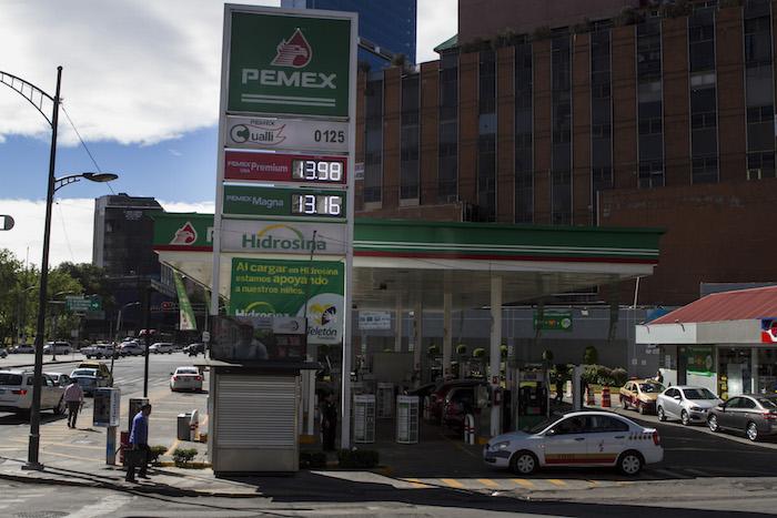 Las gasolinas en la Ciudad de México contribuyen a la contaminación, acusaron expertos. Foto: Cuartoscuro