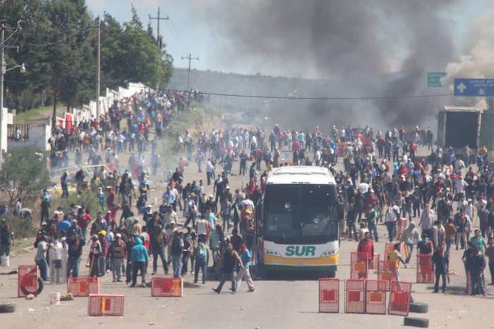 Los enfrentamientos en Nochixtlán. Foto: Cuartoscuro