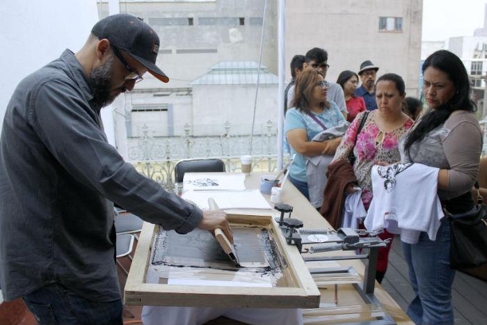 Serigrafías en homenaje a Monsi. Foto: Secretaría de Cultura