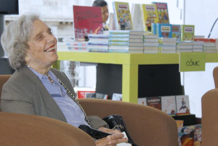 Entre risas y anécdotas personales, Elena Poniatowska recordó a su gran amigo. Foto: Secretaría de Cultura