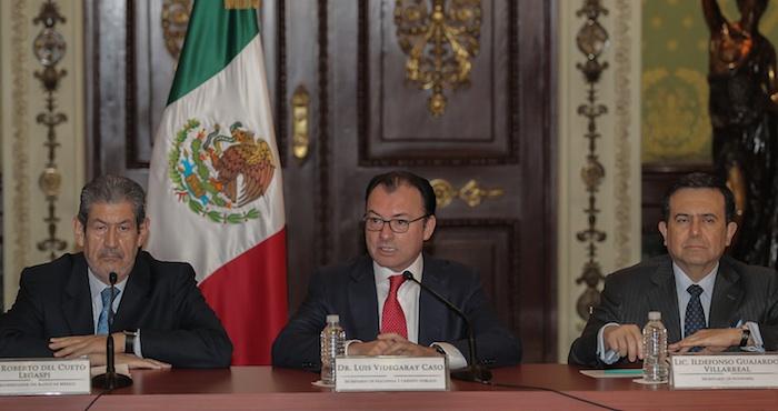 """""""Hoy hemos instruido un segundo recorte al gasto público exclusivamente al Gobierno federal, no incluye a Petróleos Mexicanos, por 31.715 millones de pesos, dijo el Secretario de Hacienda, Luis Videgaray. Foto: EFE."""