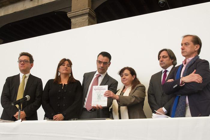 El pasado 29 de julio, la Comisión Interamericana de Derechos Humanos (CIDH) notificó a las víctimas y sus representantes, así como al Estado mexicano, su resolución final en el contexto de la medida cautelar MC-409-14, sobre las características y facultades del nuevo mecanismo de seguimiento al caso Ayotzinapa. Foto: Cuartoscuro