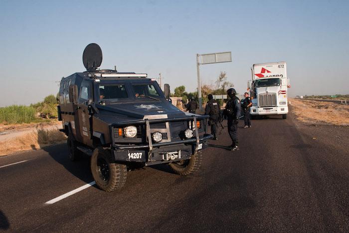 La incursión de grupos armados delictivos se dio por el desamparo de las autoridades, dijeron familiares. Foto: Isaac Esquivel, Cuartoscuro