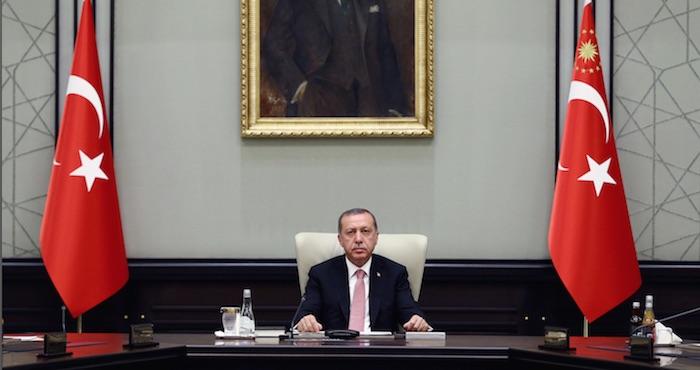 Suman más de 13 mil detenidos tras intento golpista en Turquía