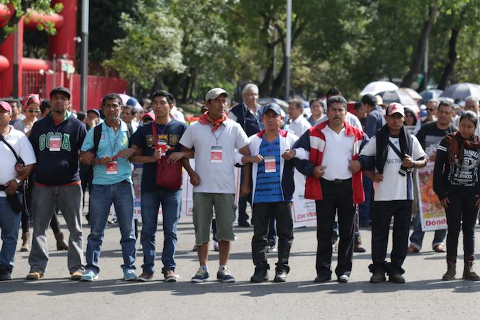 Ayer, la CNTE realizó una serie de movilizaciones en la Ciudad de México a la que se sumaron padres de familia. Foto: Francisco Cañedo, SinEmbargo