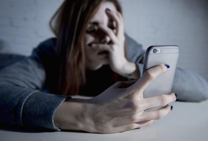 """Imagínate la situación, un día te levantas, enciendes el móvil como cada mañana y de golpe el """"el mundo se te viene encima"""": te han bloqueado la cuenta de WhatsApp. Foto Shutterstock"""