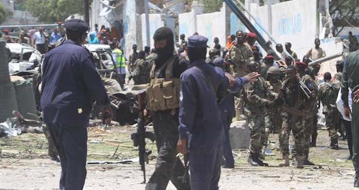 Atentado con coche bomba contra un hotel de la capital de Somalia