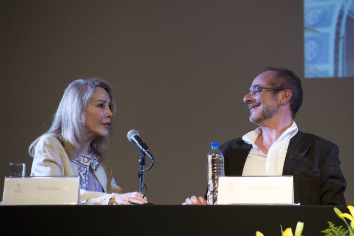 Una postal de mayo pasado, con Silvia Lemus, viuda de Carlos Fuentes. FOTO: TERCERO DÍAZ/CUARTOSCURO.COM