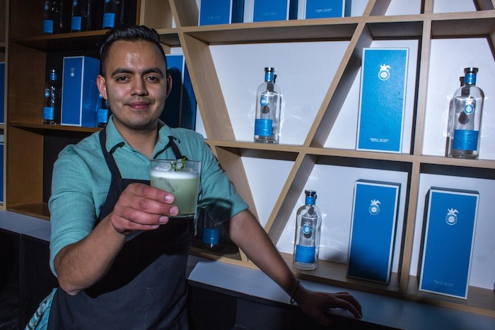 José Luis León, mixólogo de Limantour. Foto: Another Company