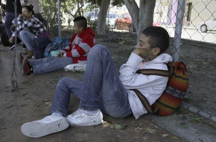 El padre Alejandro Solalinde alerta que los menores migrantes se enfrentan a su paso por México a peligros como el tráfico de órganos o a ser cooptados por el crimen organizado. Foto: Cuartoscuro