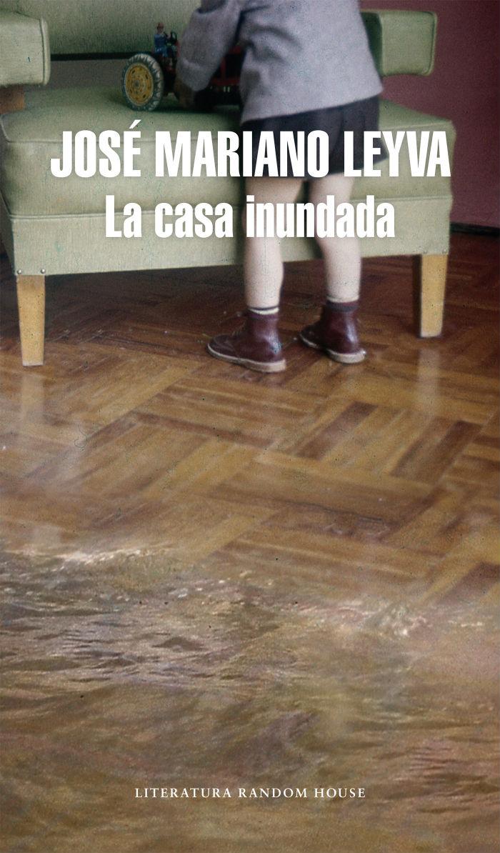 Una novela fuera de su registro habitual, pero que resultó catártica para el joven escritor mexicano. Foto: Especial