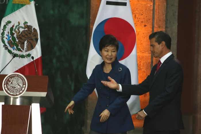 En la imagen, Enrique Peña Nieto, Presidente de México y Park Geun-hye, Presidente de la República de Corea. Foto: Saúl López, Archivo Cuartoscuro.