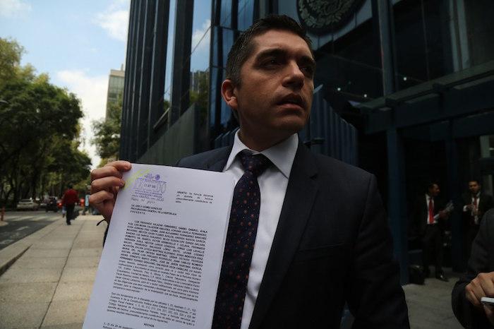 Senadores panistas llevan ante PGR caso de empresas fantasma