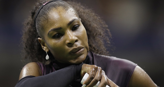 Serena Williams dijo que no se quedará callada ante el abuso policial. Foto: AP