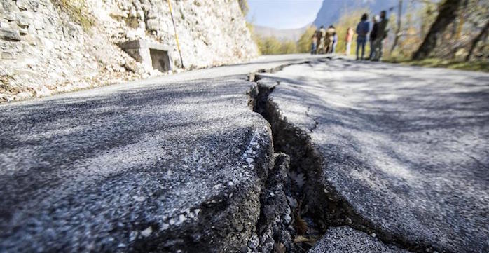 Nuevo sismo de 6.6 grados sacude a Italia