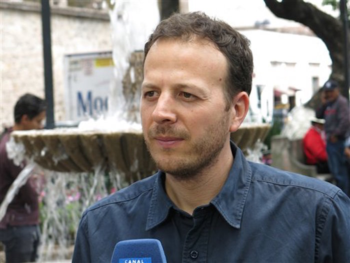 El director mexicano Amat Escalante habla de su película en el FICM. Foto: AP