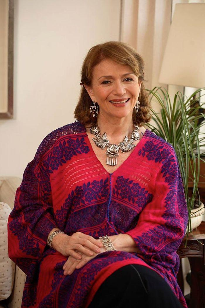 """La chef también es autora del libro """"México, The Cookbook"""". Foto: Facebook (ChefMargaritaCarrilloArronte)"""