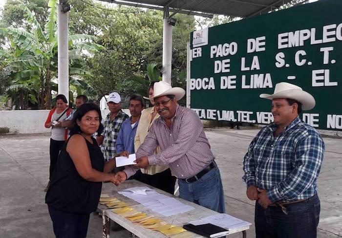 Wenceslao Santiago Castro saludando Foto: Facebook