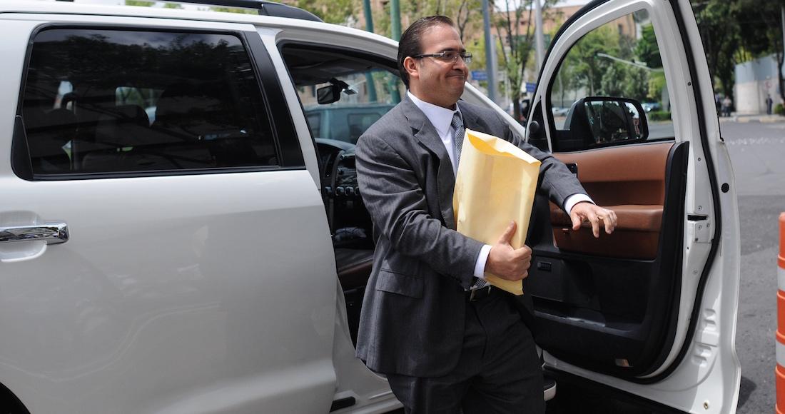 Detectan pasaportes falsos de Javier Duarte en aeropuerto