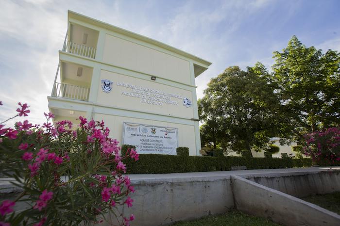 Facultad de Ciencias Químico Biológicas de la UAS. Foto: Agencia Conacyt