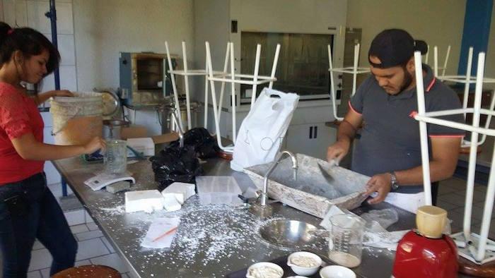 Proceso de elaboración del tabique. Foto: Agencia Conacyt.