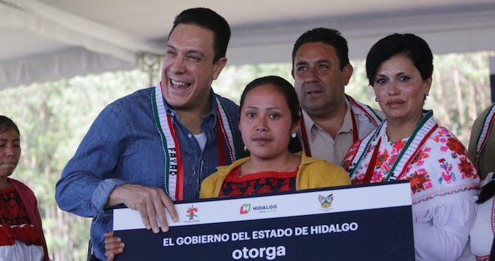 El Gobernador Omar Fayad durante el evento de entrega de estufas ecológicas. Foto: hidalgo.gob.mx