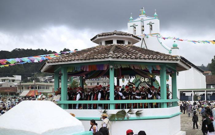 Festejos en San Juan Chamula, Chiapas. Foto: Cuartoscuro