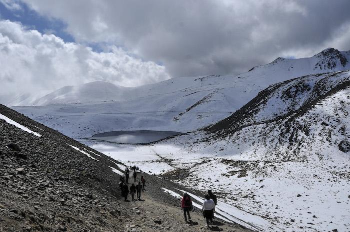Durante el segundo fin de semana de noviembre, el volcán y sus alrededores recibieron más de 4 mil visitantes. Foto: Cuartoscuro.
