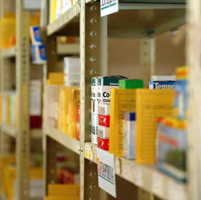El Directorio Estadístico Nacional de Unidades Económicas tiene el registro en México de 770 establecimientos de fabricación de productos farmacéuticos, perteneciente a la industria química del sector manufacturero. Foto: Cuartoscuro