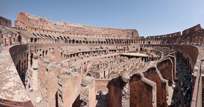 El imponente Coliseo. Foto: Paolo Costa Baldi. Licencia: GFDL/CC-BY-SA 3.0
